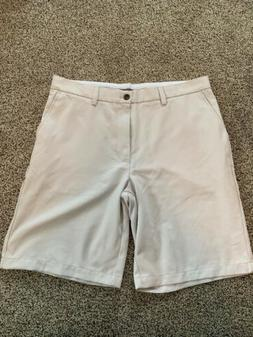 Amazon Essentials Men's Golf Shorts - Light Khaki - Size 36