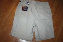 Men's NWT Dockers Loose Fit Shorts Size 36